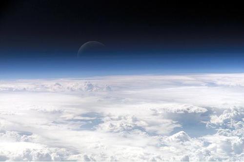 Верхняя атмосфера Земли (снимок с МКС)