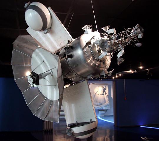 Советский космический аппарат «Марс-1» в музее Космонавтики