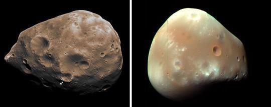 Спутники Марса: Фобос (слева) и Деймос (справа)